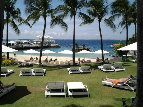 Movenpick Hotel Mactan Island Cebu: view from upper place
