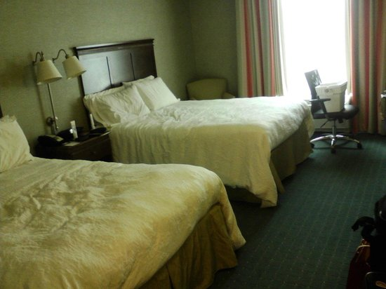 Hampton Inn & Suites Columbus Polaris: Room
