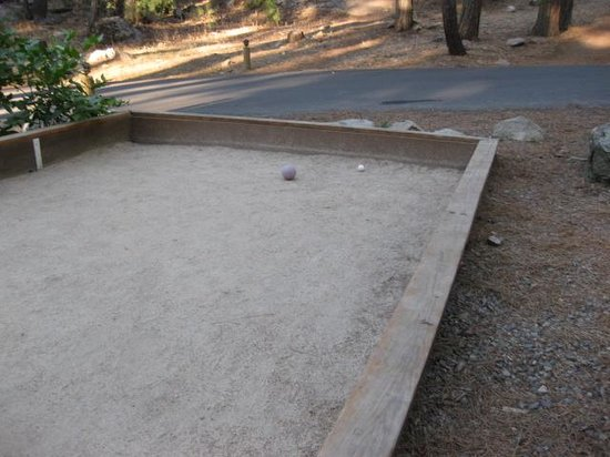 Evergreen Lodge at Yosemite : Bocce court