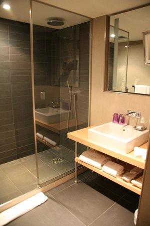Sofitel Brussels Le Louise : Bathroom