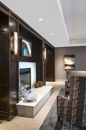 Homewood Suites by Hilton Portsmouth: Lobby