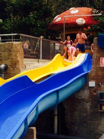 Rosamar Garden Resort: Cool slides for the kids