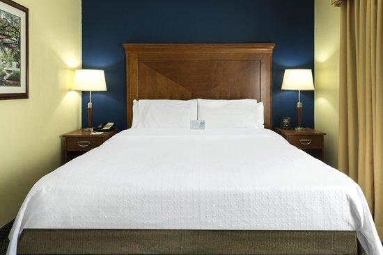 Homewood Suites by Hilton Portsmouth: Guestroom