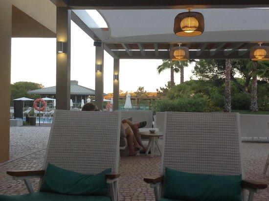 EPIC SANA Algarve Hotel: The seating area outside the Bluum Bar