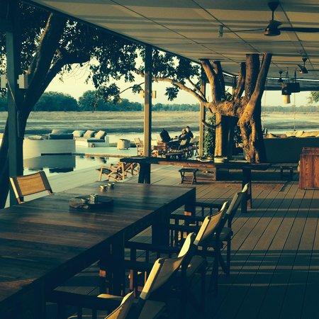 Chinzombo - Norman Carr Safaris : Dining area/reception
