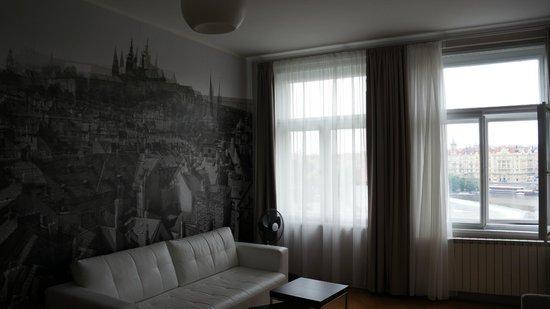 Prague Holiday Apartments: Гостиная