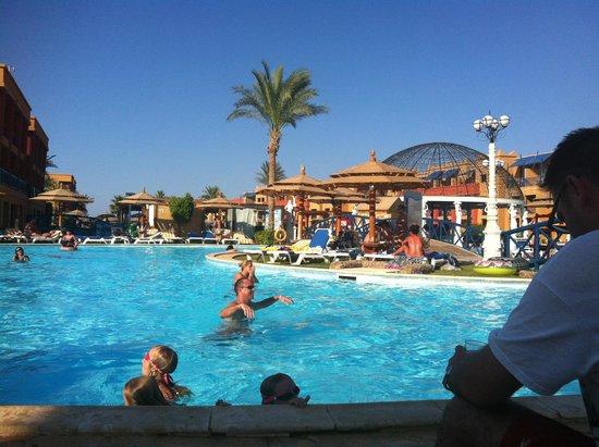 Titanic Palace: Fab pool
