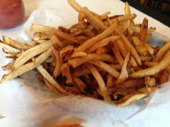 Hendersonville, PA: Huge basket of fries