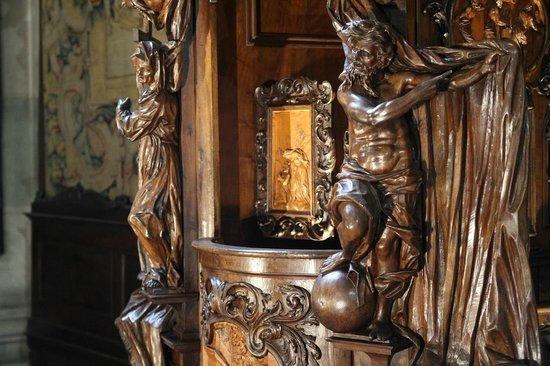 Basilica di Santa Maria Maggiore: Details of confessional