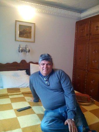 Mirante Hotel: Eis o quarto com essa cama inorme