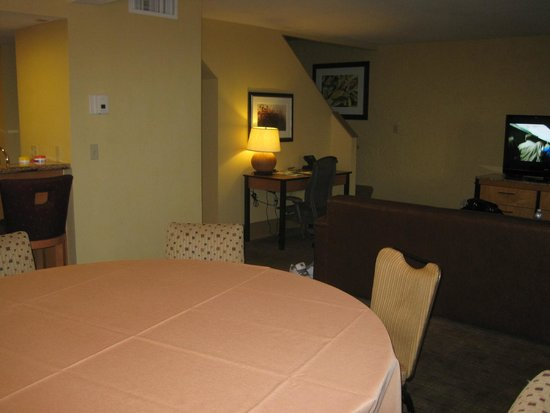Pointe Hilton Squaw Peak Resort: Family room
