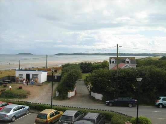 Quality Hotel & Leisure Center Youghal: View of beach from room 329