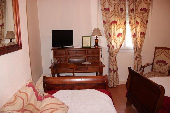 Hotel au Vieux Logis : chambre 1 à 4 personnes familiale