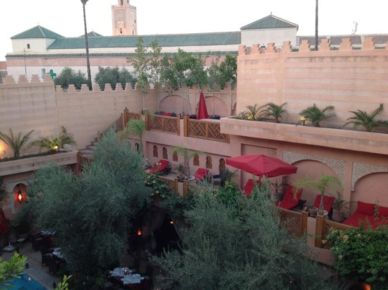 La Maison Arabe: View of the courtyard from our room