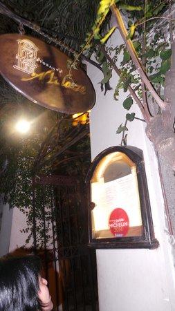 Al Palazzo: entrada do restaurante