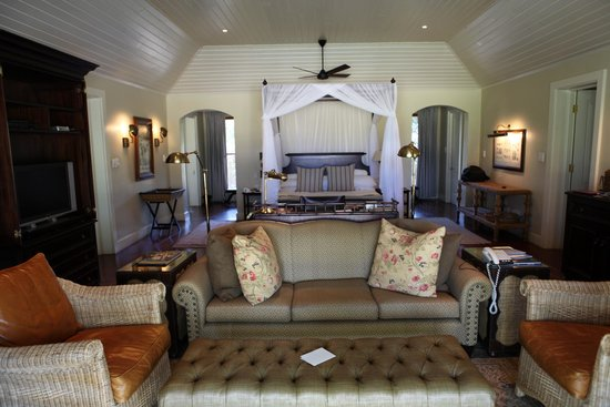 MalaMala Main Camp: The most comfortable room ( bungalow) for the people with good taste