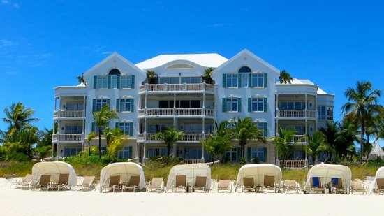 Point Grace : View from the beach of the East balcony suites