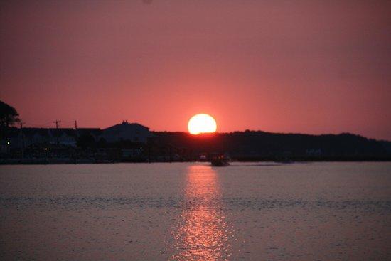 Channel Bass Inn: Sunrise at pony penning