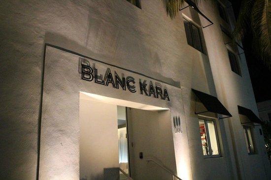 Blanc Kara: street iew