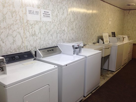 Lost River Valley Campground: Laundry room