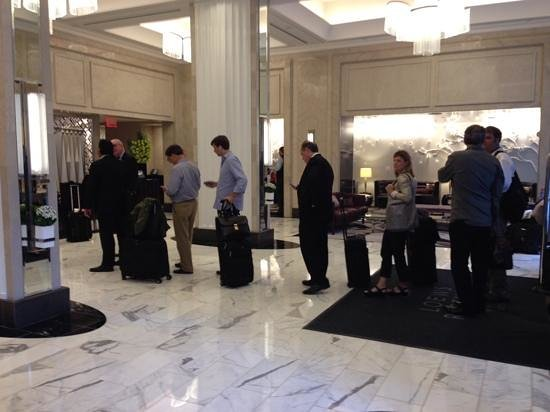 Loews Regency New York Hotel: Queue to check in or speak to anyone at the hotel lobby