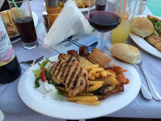 Sidari Water Park Hotel: Mat på Grekisk afton. Mums.