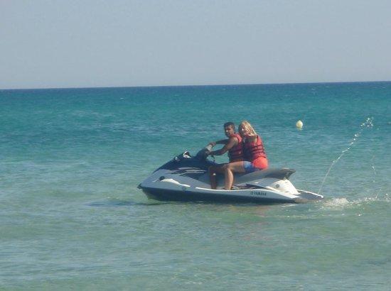 SENTIDO Phenicia: Jet skiing with Shaggy