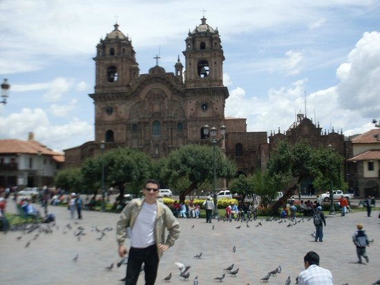 Plaza de Armas (Huacaypata): Igrejas defronte à Plaza de Armas
