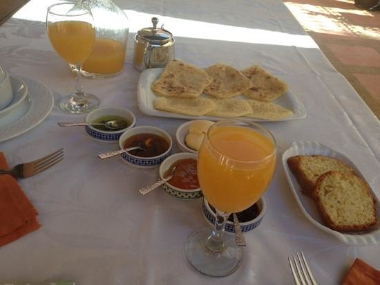 Riad Ilayka : breakfast