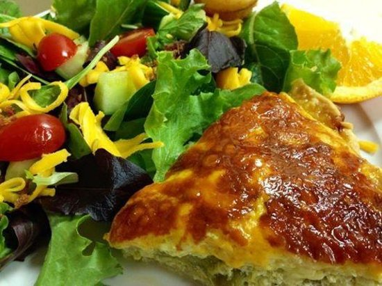 The Courtyard Restaurant: Asparagus Tomato Quiche