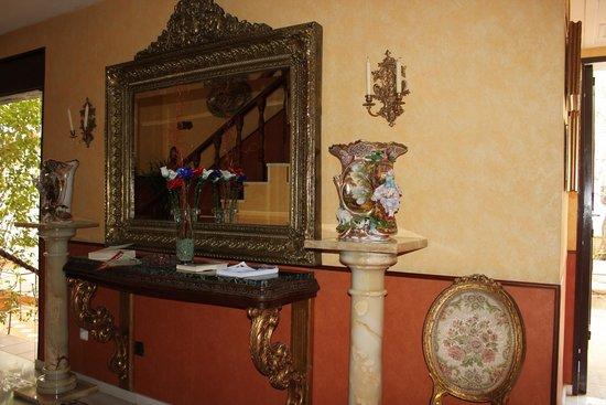 Hotel La Llave de la Jurderia: Acceso a habitaciones