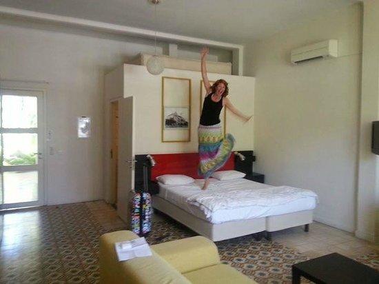 Boutique Hotel 't Klooster: sttt niet vertellen dat ik 1x op het bed heb gesprongen (was alleen voor de foto)
