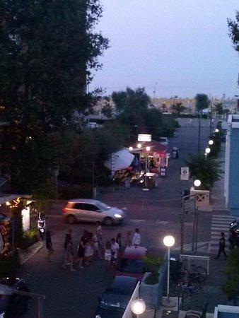 Diamond Rimini: Abends Blick vom Balkon