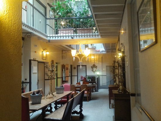 Grand Hotel d'Orleans: Common area