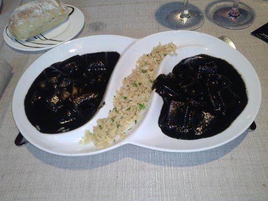 Arroka Berri: txipirones en su tinta con arroz blanco