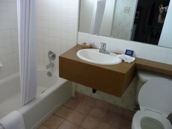 Travelodge Page : Bathroom