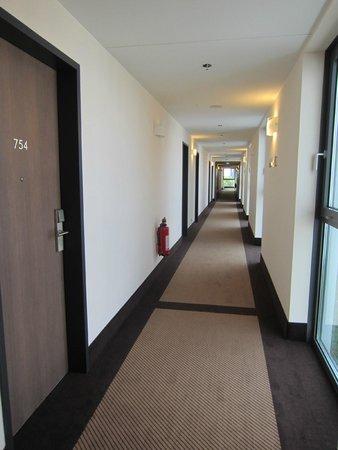 IntercityHotel Berlin Hauptbahnhof: Corridor
