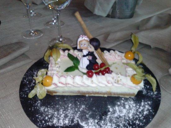 Arroka Berri: tarta de los novios