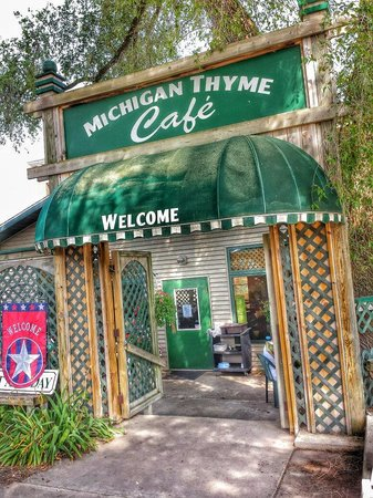 Michigan Thyme Cafe: Entrance