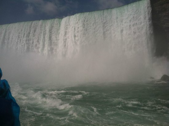 Maid of the Mist: at the falls