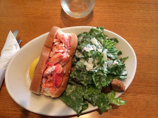 The Thirsty Whale Tavern : Lobster roll and salad--just right in size