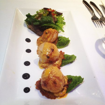Olive Tree Lounge - Bar | Grill: Seared scallops