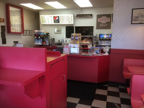 Maid-Rite : Small eating area and counter