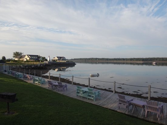 Seaside Beach Resort: Easterly view from our deck on a sunny morning