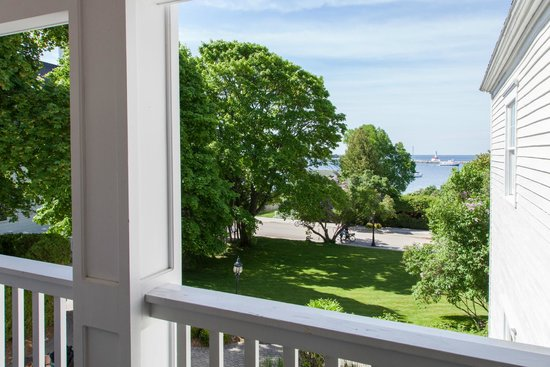 Harbour View Inn: View from a Harbour View room in Chateau LaFramboise