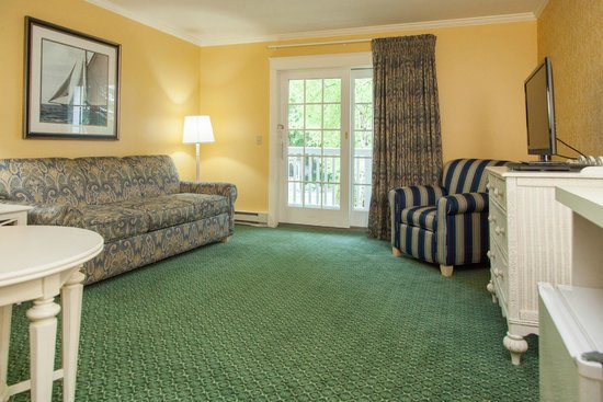 Harbour View Inn: Carriage House Suite - sitting area