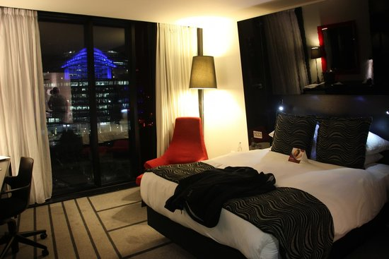 Crowne Plaza Manchester City Centre: Room