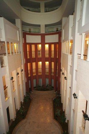 Alba Queen Hotel: hotel