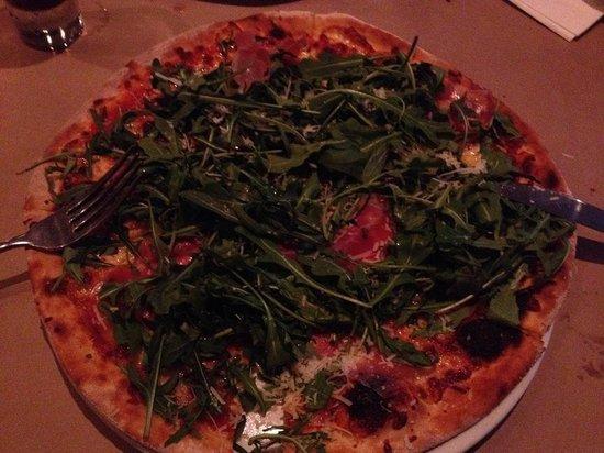 Pizza Pasta Bene: Prosiutto Pizza (with rocket & parmesan)
