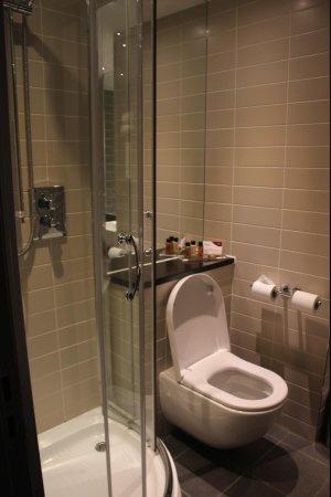 Crowne Plaza Manchester City Centre: Bathroom